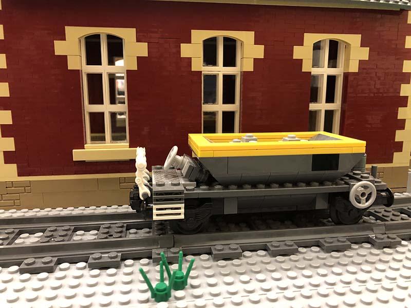 LEGO model of 19t Ballast Hopper