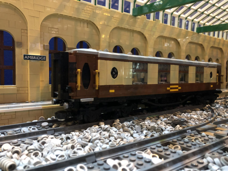LEGO model of Pullman parlour car
