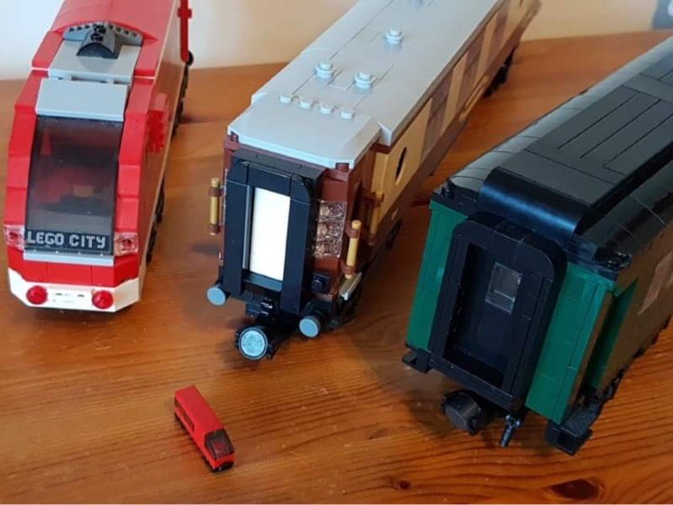 LNUR Line podcast for LEGO train fans - scaling LEGO locomotive models